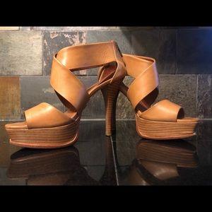 Pour La Victoire platform heel sandals